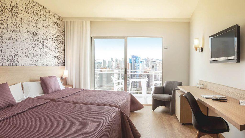Dise o mobiliario hotel princesa ainhoa hernandez for Mobiliario de habitacion